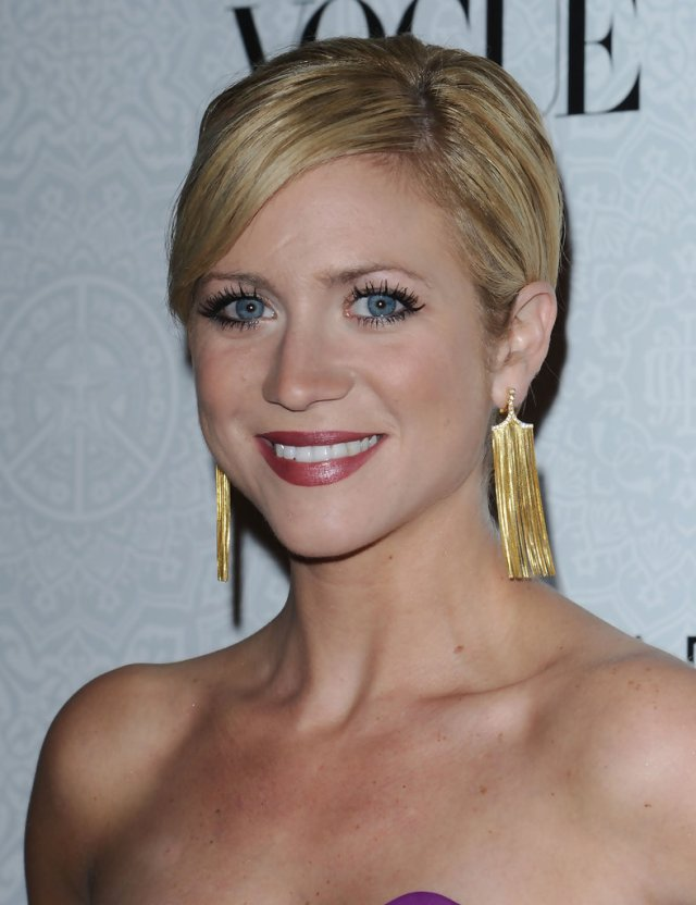 brittany snow ponytail - brittany snow long hairstyles looks