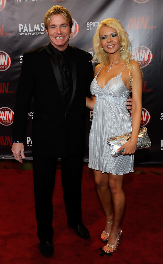 Barbi Sinclair Best And Worst Dressed At The 2010 AVN