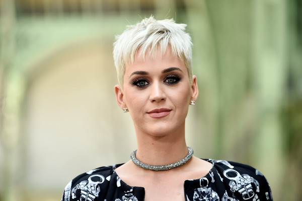 Katy Perrys New Haircut Pixie