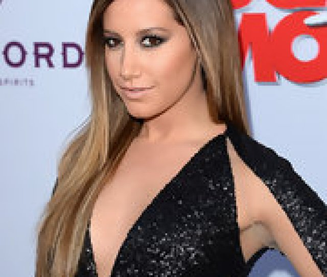 To Keep Her Smoky Eyes The Center Of Attention Ashley Tisdale Opted For A Nude