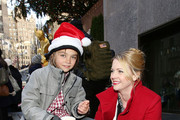 """Actress Melissa Joan Hart (R) attends ABC's """"25 Days Of Christmas"""" Celebration at Cucina at Rockerfellar Center on December 7, 2014 in New York City."""