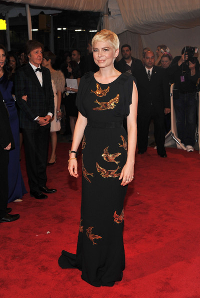"""Michelle Williams Actress Michelle Williams attends the """"Alexander McQueen: Savage Beauty"""" Costume Institute Gala at The Metropolitan Museum of Art on May 2, 2011 in New York City."""