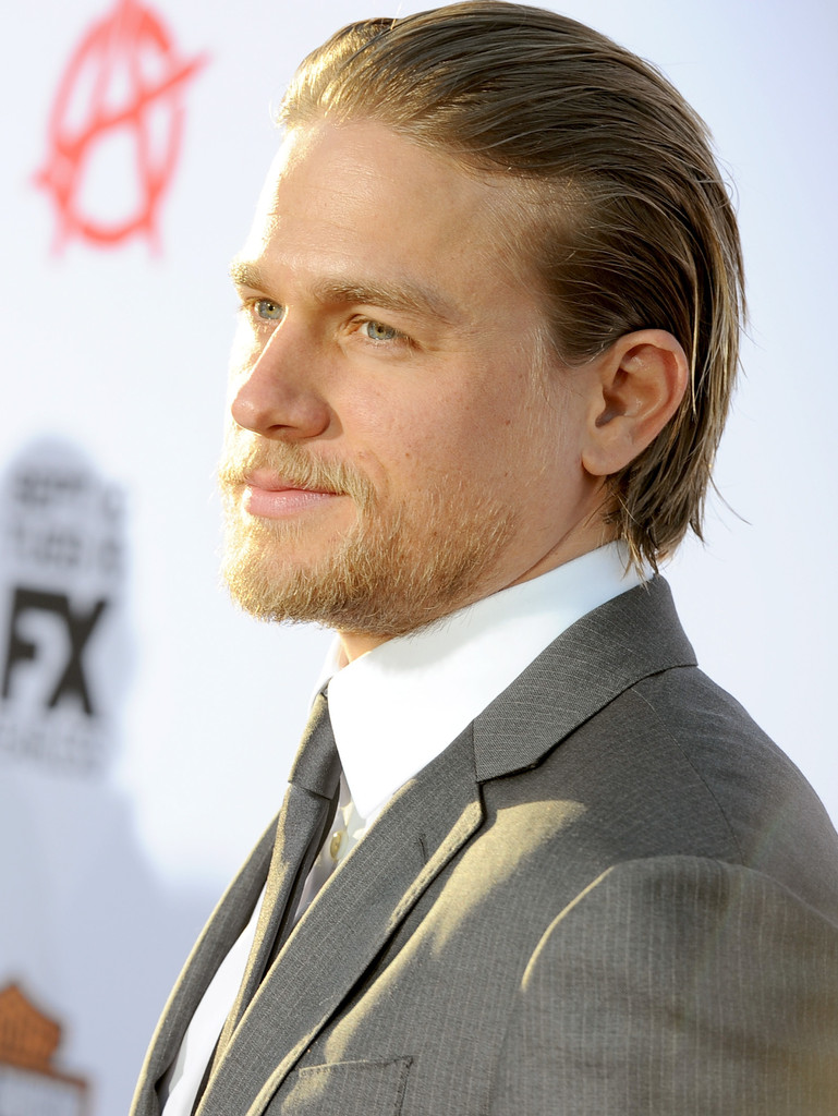 Charlie Hunnam In Premiere Of FXs Sons Of Anarchy
