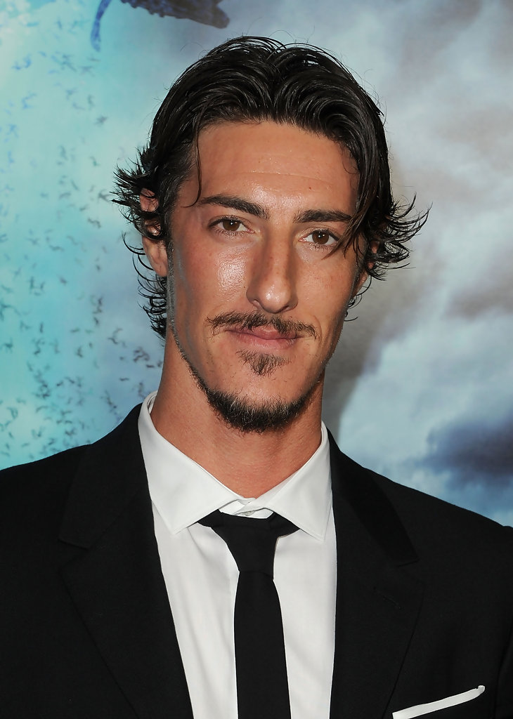 Eric Balfour In Premiere Of Rogue Pictures Quot Skyline