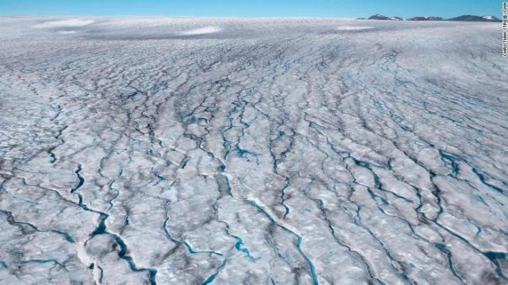 Planet has only until 2030 to stem catastrophic climate change, experts warn