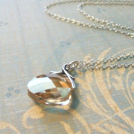 mia bead necklace