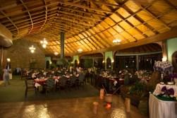 Pesisajul si restaurantul din Naivasha Sopa Lodge