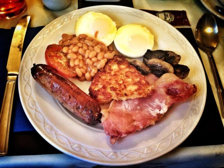 Mic dejun englezesc pregatit in casa