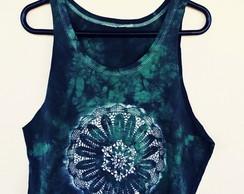 camiseta-cropped-mandala-tingida