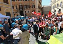 Una recente manifestazione di precari a Roma