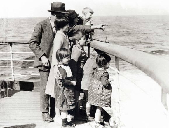 Museo del Mare, emigranti guardano a un nuovo mondo