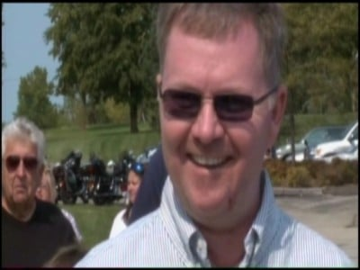 Lt. Brian Murphy makes his first public appearance as he recovers from the shooting at the Oak Creek, WI Gurdwara last month (source: WXOW)