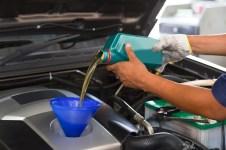 Olej w używanym samochodzie
