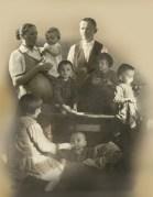 Józef i Wiktoria Ulmowie ze swoimi dziećmi /Archiwum autora/