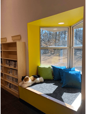 The Idea Studio includes many cozy reading nooks and comfortable seating for little ones and families. (WYDaily/Courtesy of Williamsburg Regional Library)
