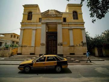 Gnijący kościół i jedna z rzeczy, która była fajna w Saint Louis - wszystkie taksy miały ten sam kolor!