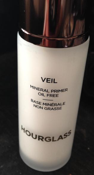 Hourglass mineral primer better pic