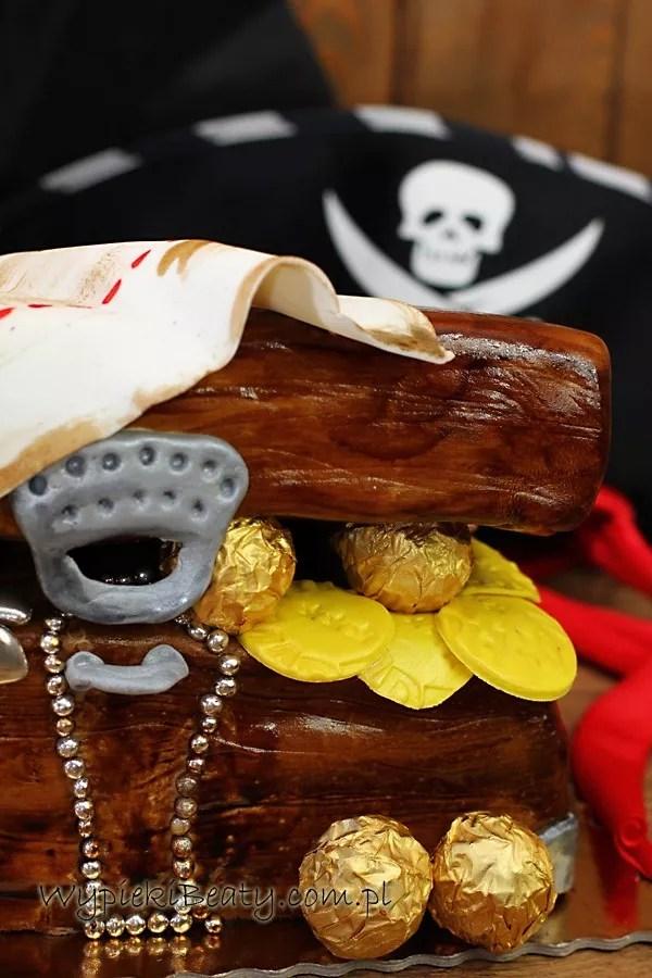 tort skrzynia skarbów piracki