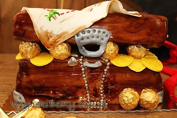tort skrzynia skarbów