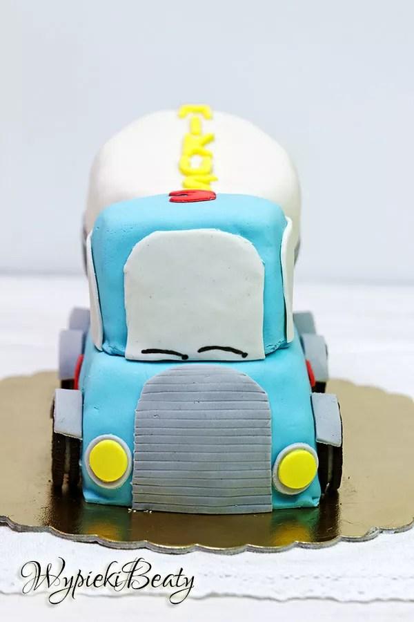 tort samochód betoniarka