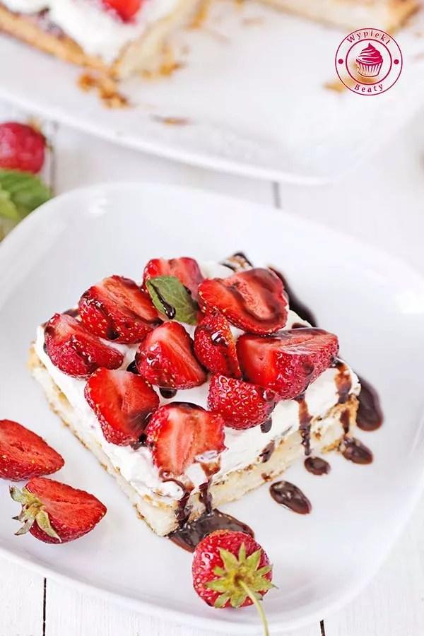 ciasto francuskie z truskawkami 8
