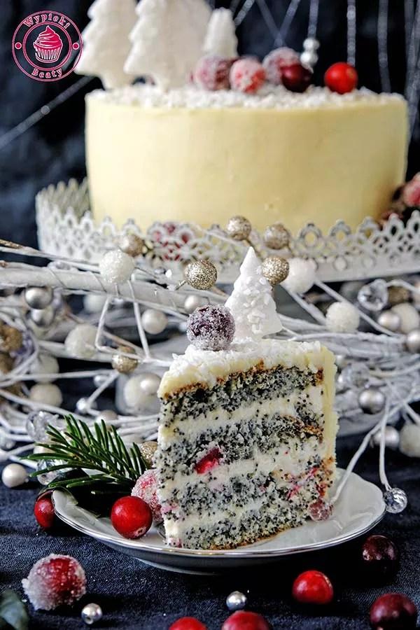 tort makowy z żurawiną