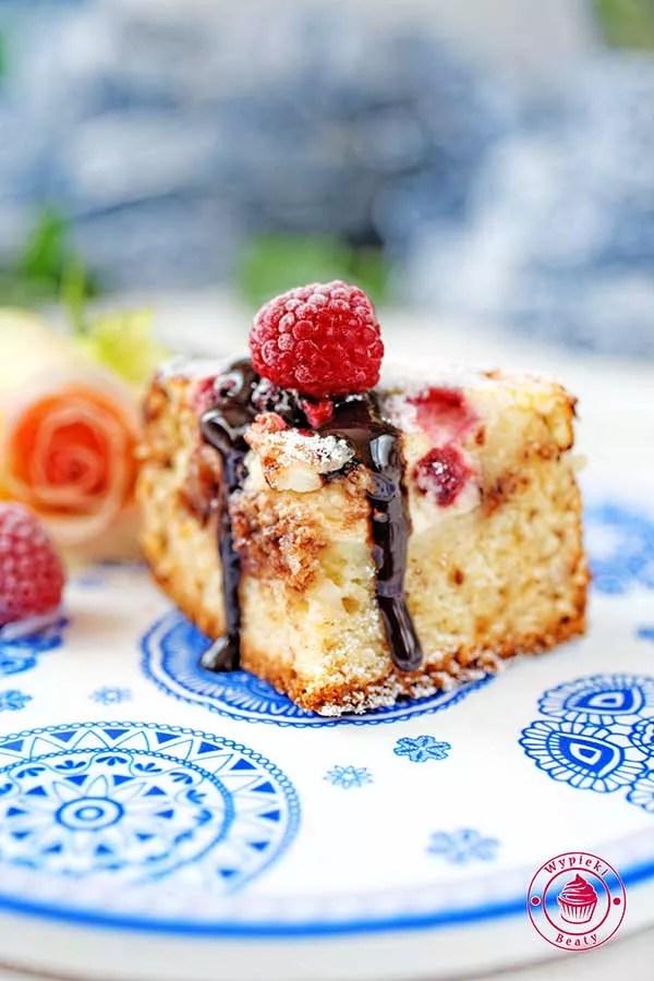 ciasto z twarogiem i malinami