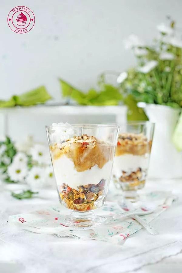 musli z jogurtem