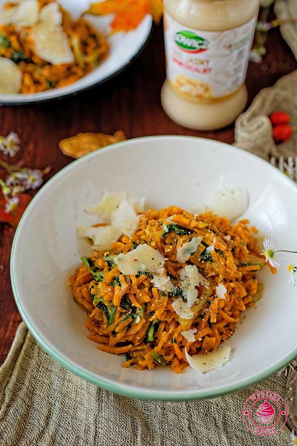 warzywne spaghetti ze szpinakiem