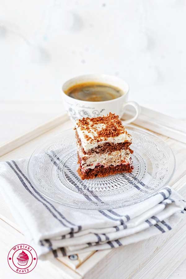ciasto przekładane z kremem