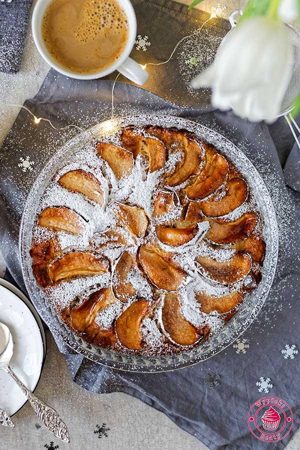 ciasto z jabłkami i kardamonem