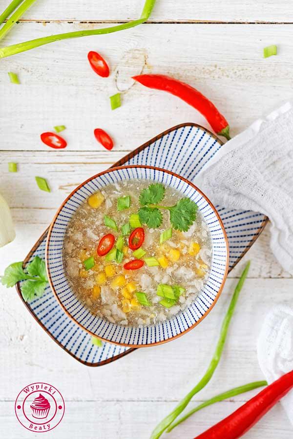 chińska zupa kukurydziana z kurczakiem