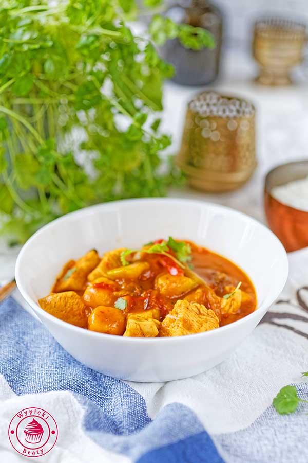 słodko pikantne curry z kurczakiem