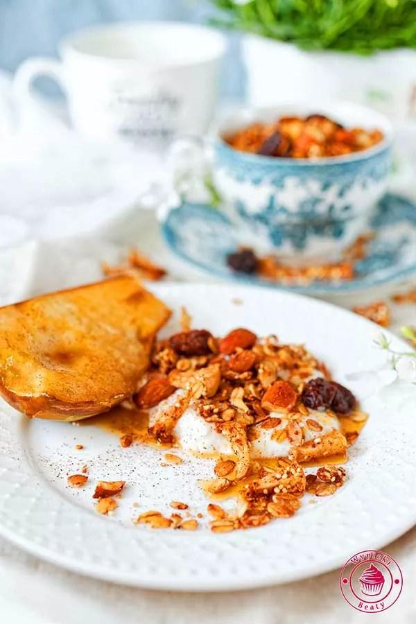 domowa granola z komosą ryżową