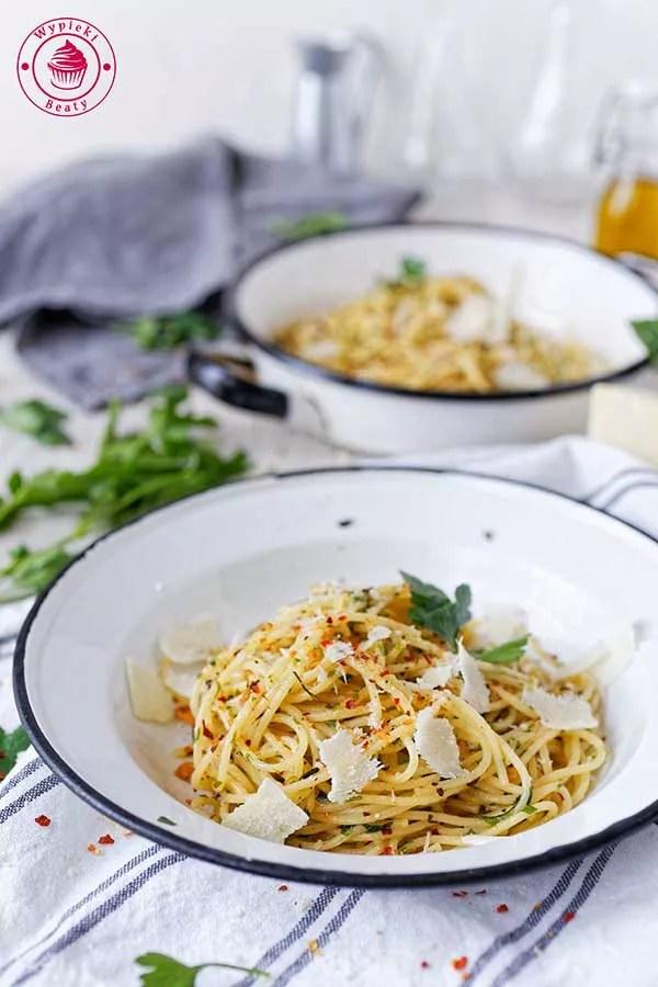 pasta aglio e olio z ostrą papryką