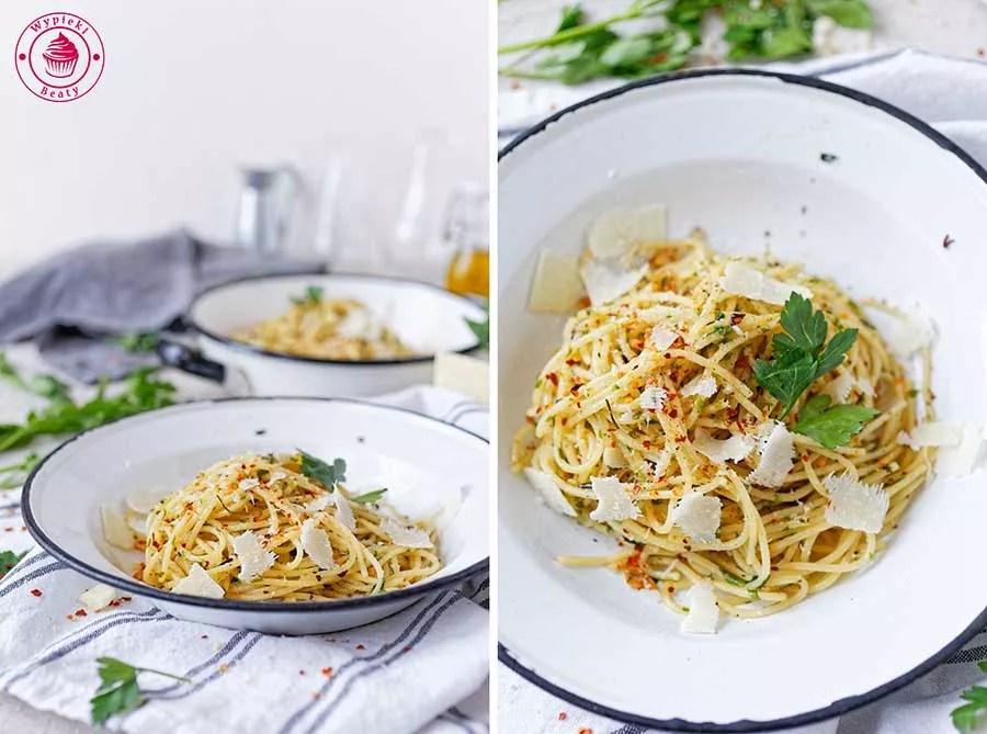 spaghetti z czosnkiem i oliwą