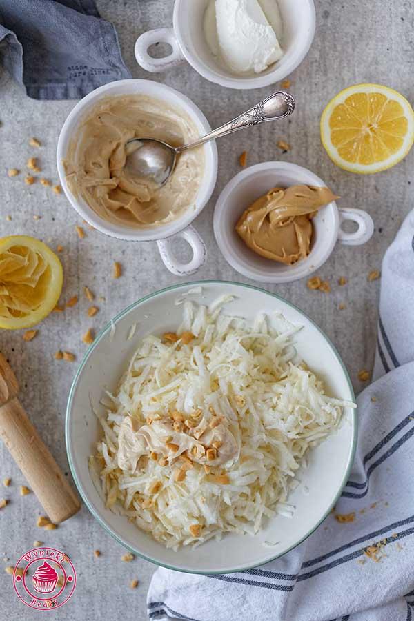 surówka z selera z orzechami