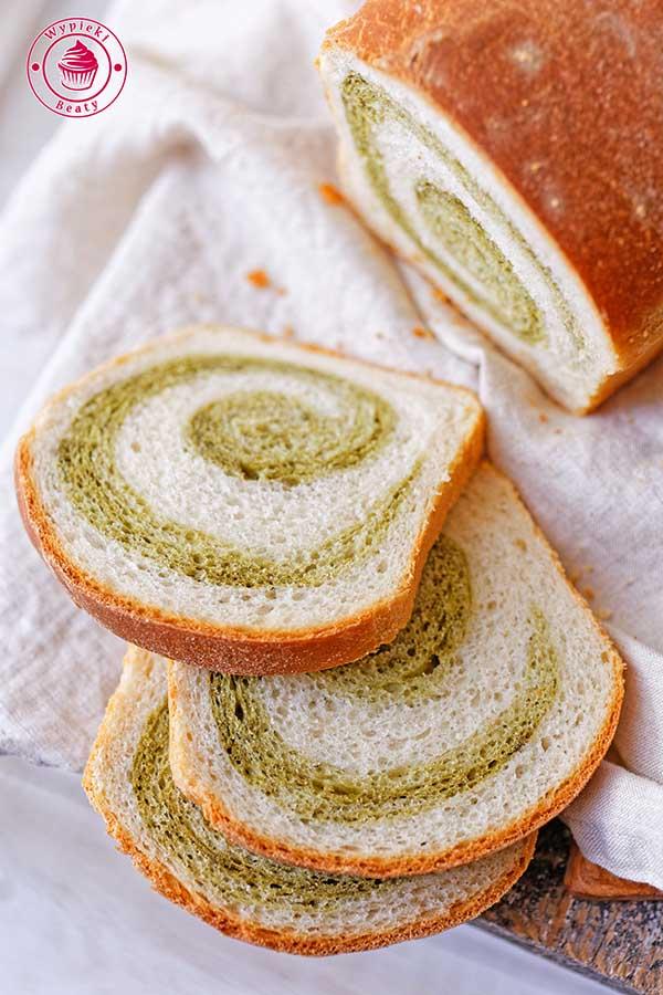 pszenny chleb z matcha