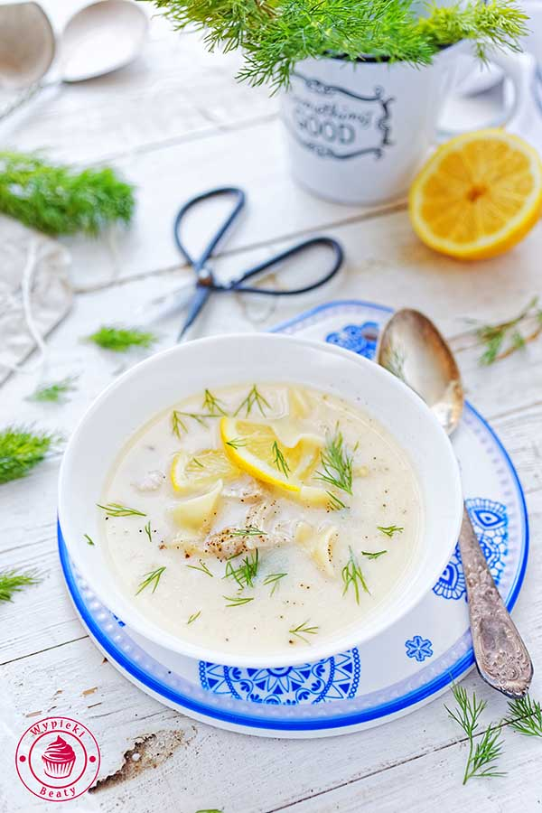 grecki rosół z cytryną
