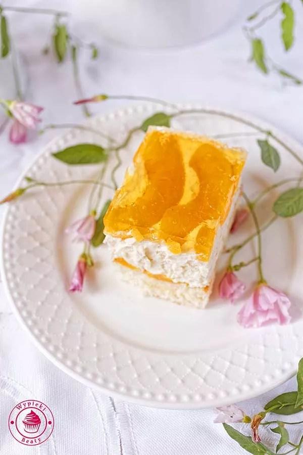 ciasto brzoskwiniowe z chałwą