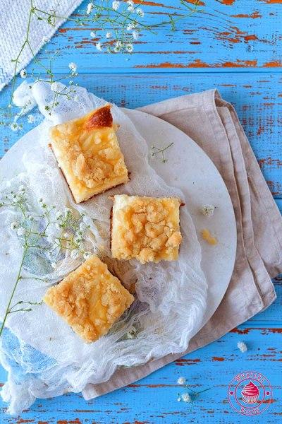 przepis na proste ciasto drożdżowe z kruszonką