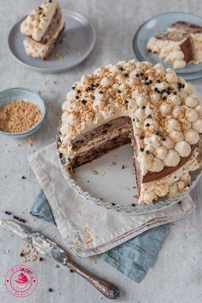 tort z kremem z masła orzechowego