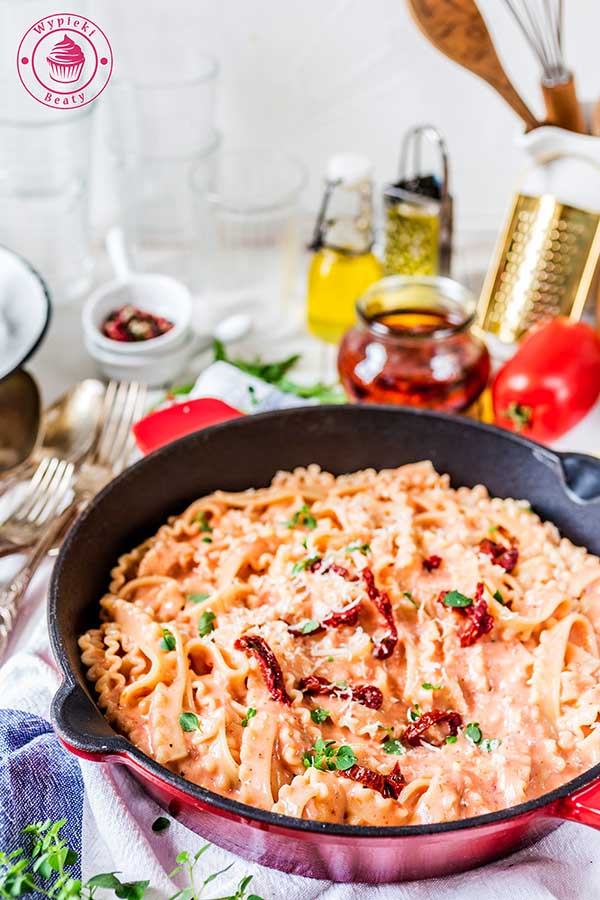 kremowy sos z suszonych pomidorów