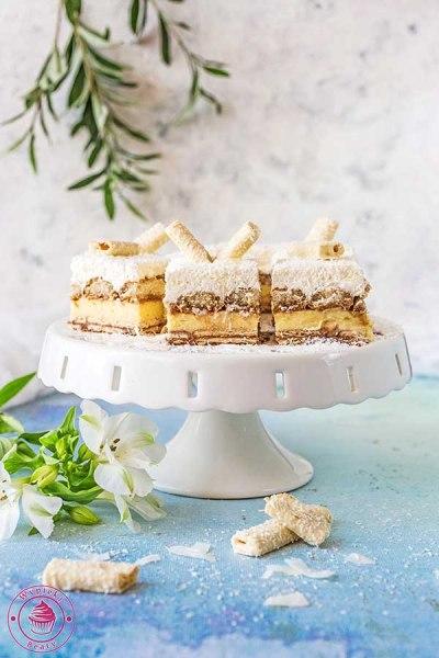 ciasto 3-bit z czekoladą i wiórkami kokosowymi