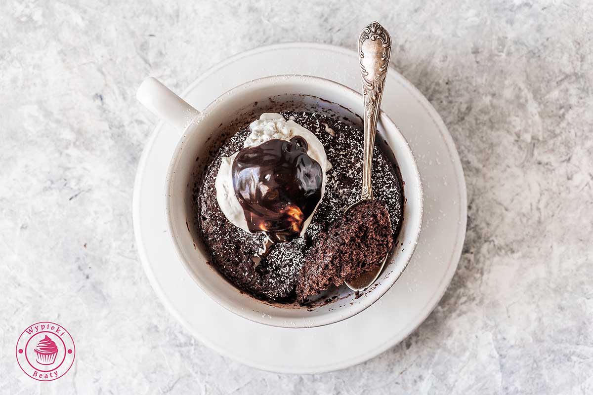 ciasto czekoladowe w kubku