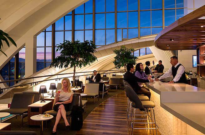 airport bar / lounge