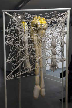 miekkie-kody-muzeum-wspolczesne-wroclaw-wystawowe-zwierze-art-blog-5