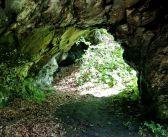 Jaskinia w skale w Horní Údolí