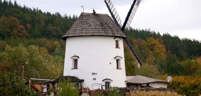 Uratowany wiatrak holenderski z Gogołowa [Wzgórza Kiełczyńskie]