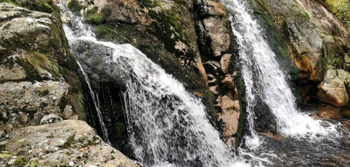 Wodospad na potoku Bílá Smědá w czeskich Górach Izerskich. Jak do niego dotrzeć?